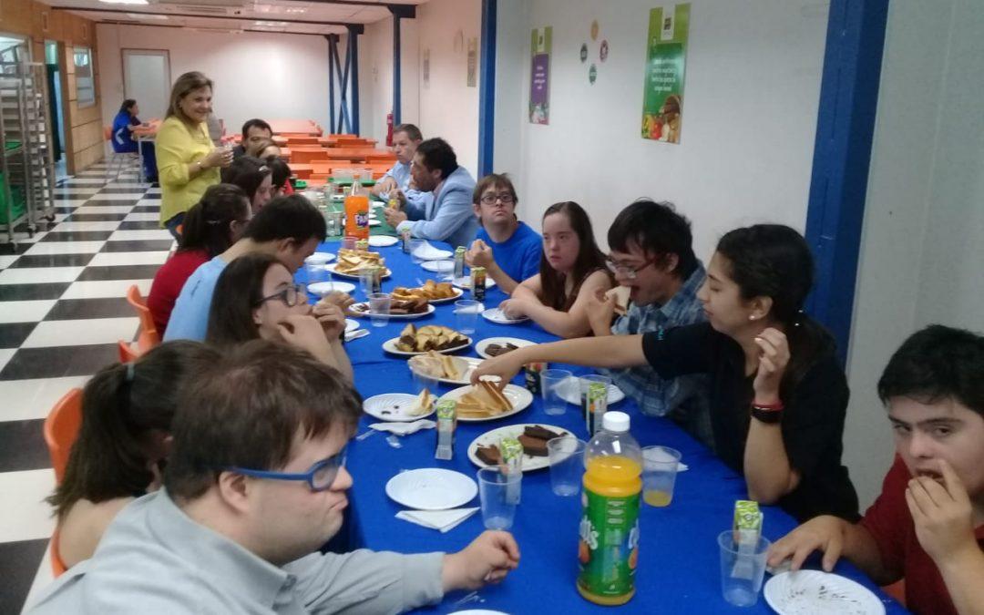 Desayuno de bienvenida a los chicos y chicas del programa CPUED